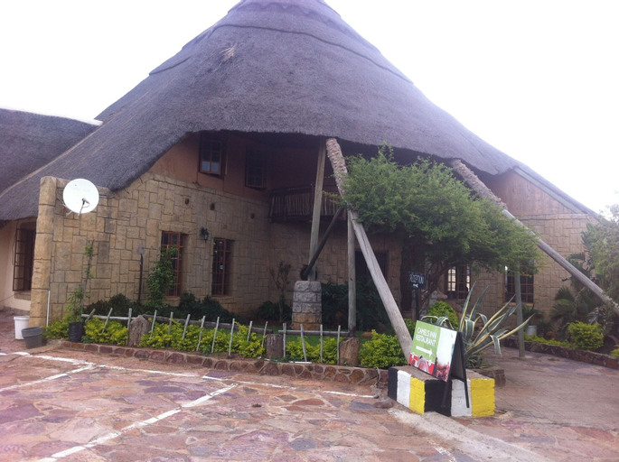 Camel's Inn Lodge, Kweneng North