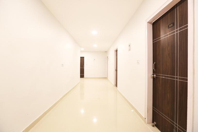 SilverKey Executive Stays 39691 Mittal Residency Mayur Vihar Phase-1, West