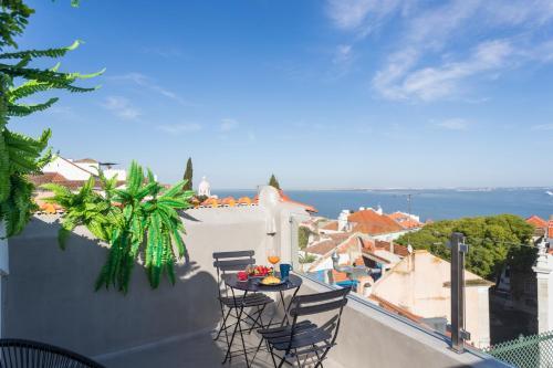 MY LX FLAT Castle Alfama Apartments, Lisboa