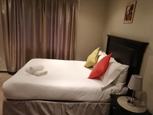 Inala Guest House, Chris Hani