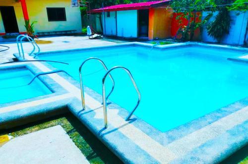La Maha Resort, Caba