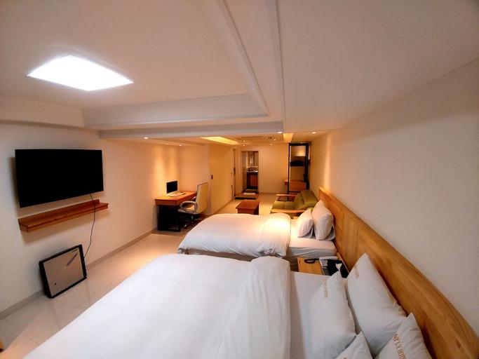 I.Y Hotel, Suwon