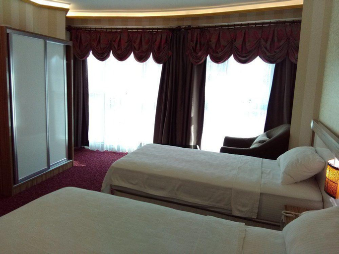 RMS Atlas Otel, Merkez