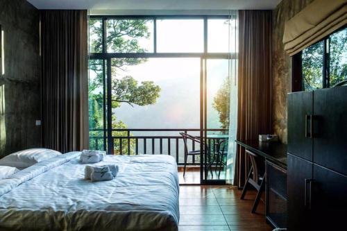 Evergreen resort, K. Mae On