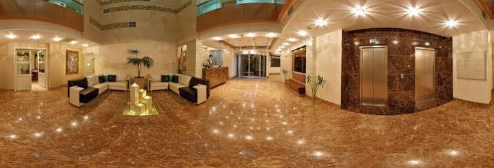 Saina Hotel, Theran
