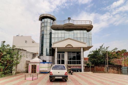 SPOT ON 43118 Hotel Sk Palace SPOT, Gonda