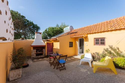 Feels Like Home Garden Houses near Ericeira, Sintra