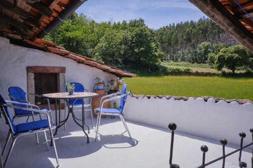 A Charming , Traditional Cottage at Quinta da Ribeira, Vila Nova de Poiares