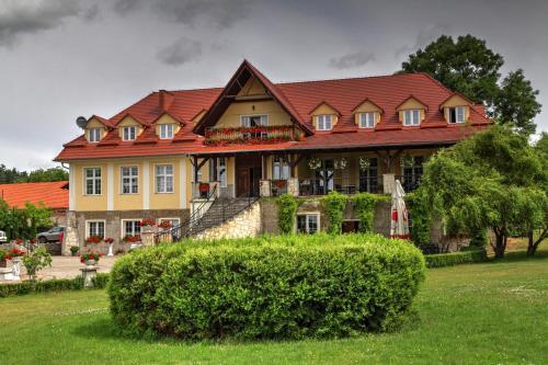 Zespol Palacowo-Parkowy Badzow, Polkowice