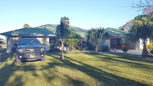 Beautiful Vacation Home Across From Lake Okeechobee, Okeechobee