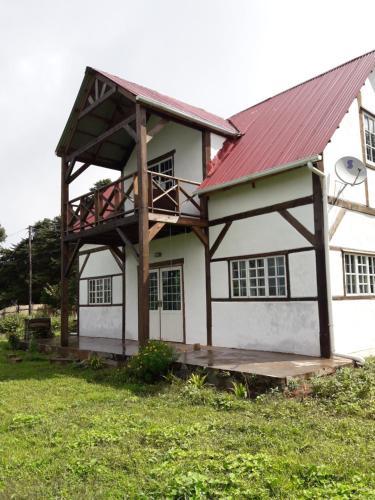 Cosy Cottage with Amazing Views, Lake Malawi