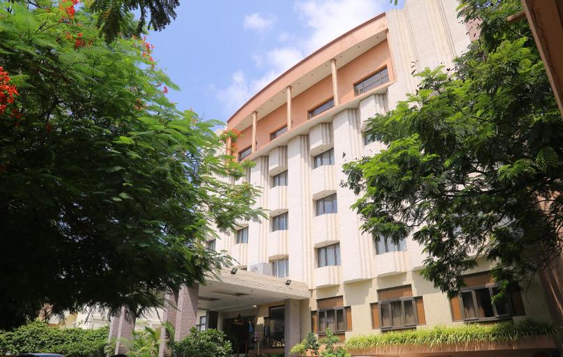 Hotel Surguru, Viluppuram