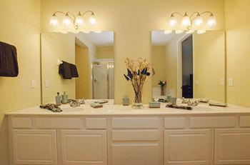 3Bd 2Ba Sleeps 8 Platinum Rvc30203 Bedroom Rhof, Orange