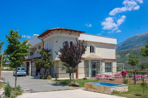 Hotel Veal, Tepelenës