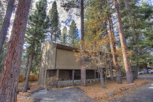 Brookstone Pines, Washoe