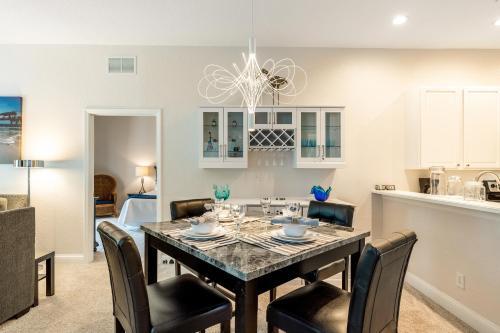 Fabulous modern 3 bed condo in Bahama Bay resort - Villa #493, Polk