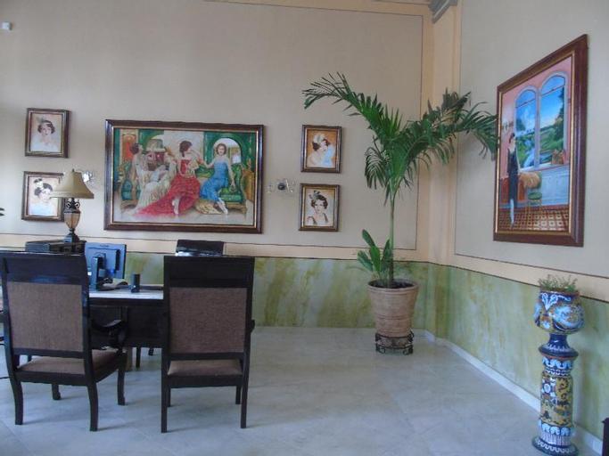 Hotel E Central, Santa Clara