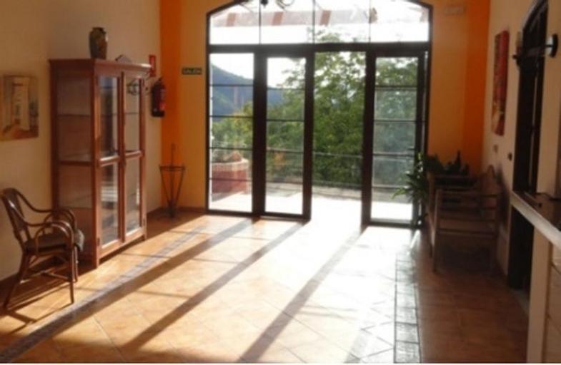 Hotel in Jubrique, Málaga 102460, Kiteto