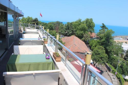 Ganita Life Hotel, Merkez