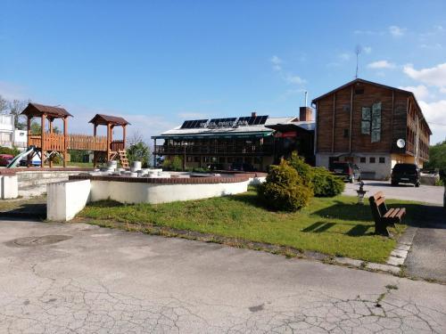 Hotel Partizan Jankov Vrsok, Bánovce nad Bebravou