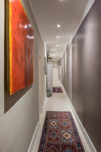 Elegant and Stylish Apartment, Xilin Gol