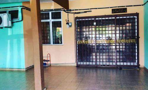 Homestay Idaman Wan (3 minutes from Kluang city), Keluang
