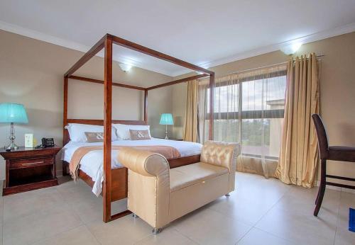Ndalo Hotel & Conferencing, Gert Sibande