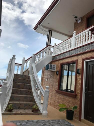 Cebu South Road Apartment, Oslob