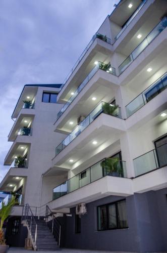 Marmara Apartments, Navodari
