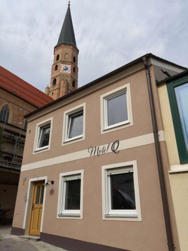 Motel Q - das kleine Stadthotel, Dingolfing-Landau