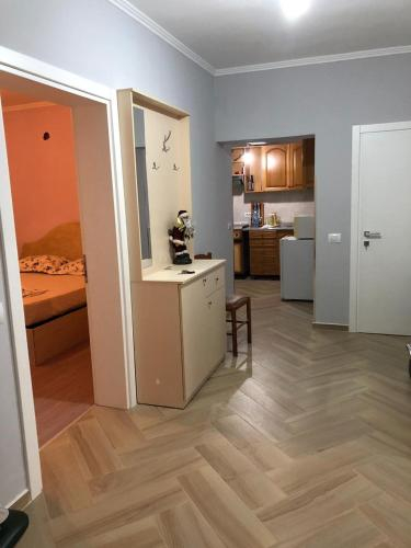 Private Villa, Elbasanit