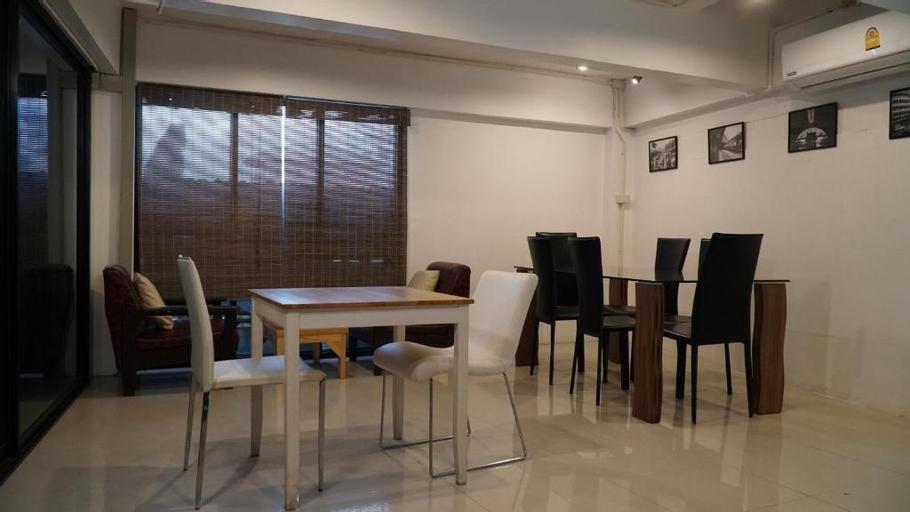 Nara Cafe and Hostel Don Mueang, Don Muang