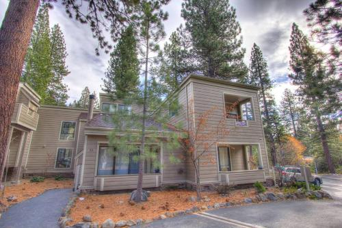 Tall Pines Retreat, Washoe