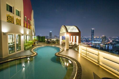 怡景高层摩天轮之眼观景酒店, Khlong San