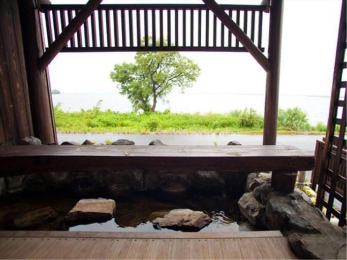 Onoe Onsen Ryokan Beniayu, Lake Biwa