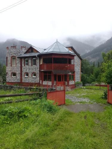 Замок у реки, Mayminskiy rayon