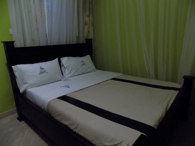 Elegant Motel, Ruhaama