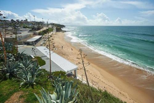 SUITE - 5 Minutes walk to the BEACH, Cascais