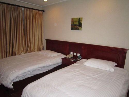 Greentree Inn Dalian Kaifa District West Huanghai Road Express Hotel, Dalian