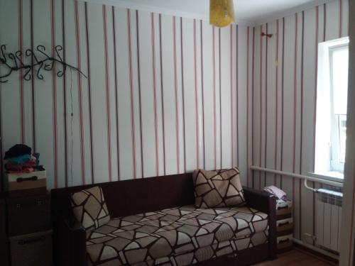 Комната в частном доме на 10 днеи: 17.06.19-27.06.19 в центре со всеми удобствами без хозяев, Zhytomyrs'ka