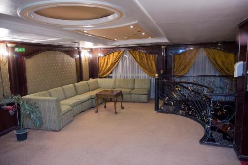 Golden Hotel, Asyut 2