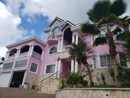 DSH Vacation Rooms and Rental,