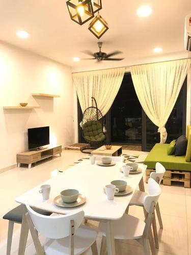 ARTE-S Cozy Home by 3Birds, Pulau Penang
