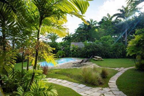 Naniki Barbados,