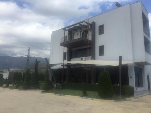 Bar Hotel White Palace, Gjirokastrës