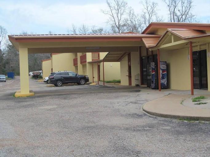 Executive Inn, Cherokee