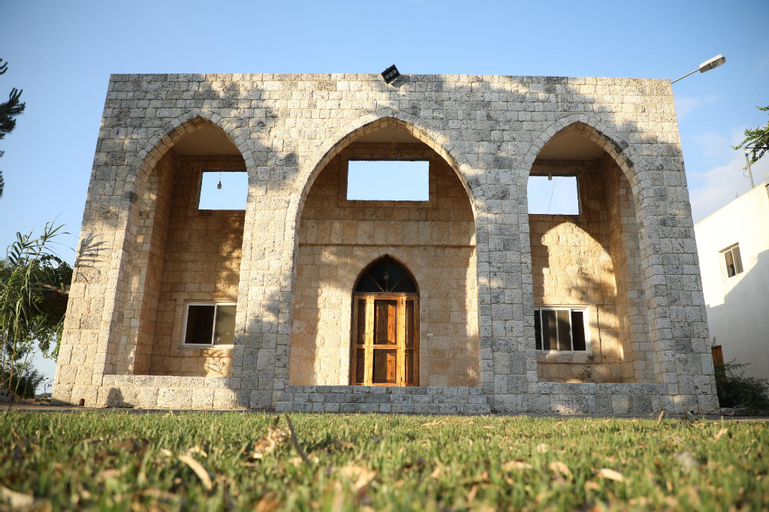 The Ranch-Lodge and Equestrian Center, Koura