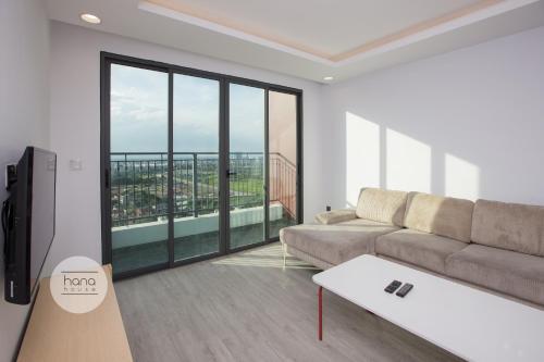 ONE 18 Ngoc Lam Apartment, Long Biên
