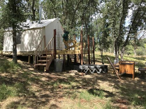 Tentrr - Trank Family Farm Campsite, Butte