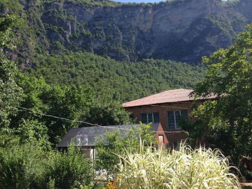 Tvishi Mountain Hut Inn, Tsageri